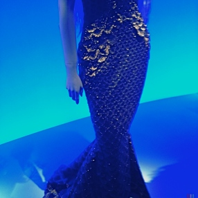More Mermaid Maidens! Look at the beautiful gold-scalloped detailing.