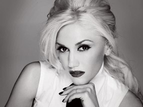 Profession, sophisticated, polished Gwen. Classic.