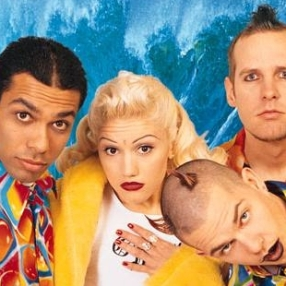 I love when Gwen rocked the bindi! ...And the shirts the dudes are flashin' ...radical and ridiculous!