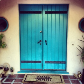 My Sweet Sister's Home, Lovely Entrance